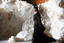 Aga Mikolaj (Donna Elvira)_Autumn de Wilde